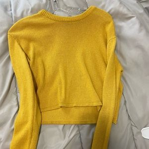Brandy Melville Yellow cropped sweater